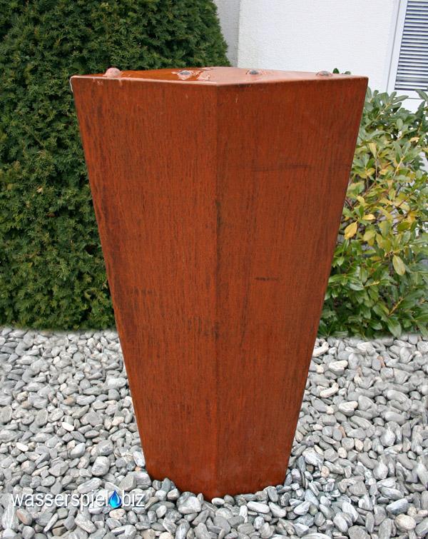 Cortenbrunnen Säule